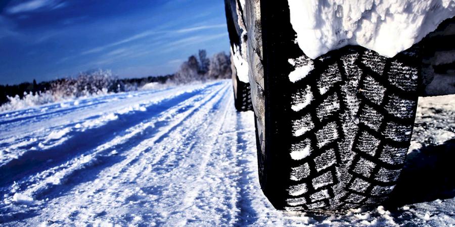 Viagem na neve? Saiba com a Insparedes como preparar o seu carro!