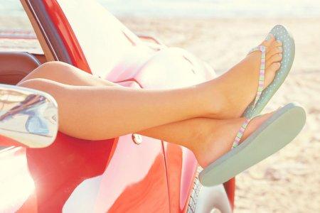 Será mesmo ilegal conduzir de chinelos?