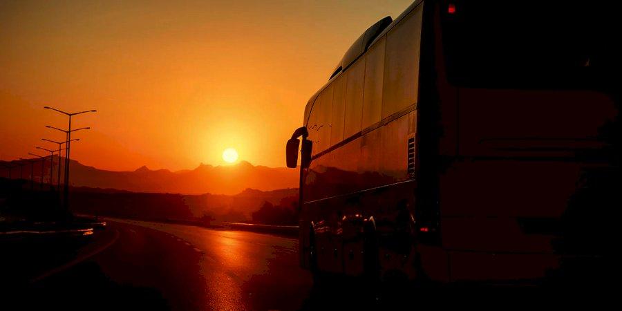 """Costuma """"apertar"""" com autocarros? Descubra os riscos que corre!"""