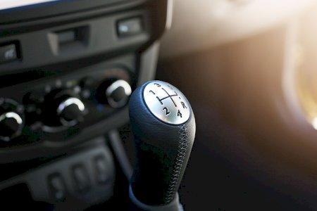 Quando deve substituir o fluído da caixa de velocidades?