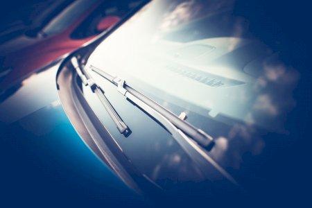 Prepare as escovas do seu carro para as chuvas de Inverno!
