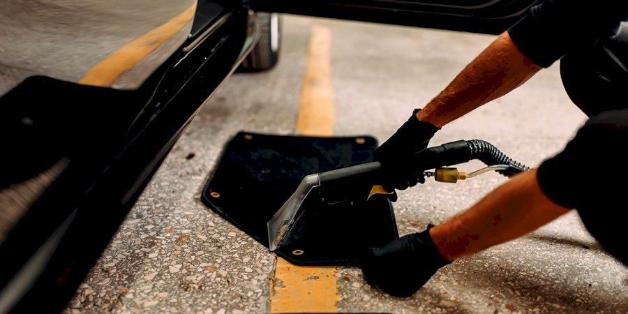 Serão dispensáveis os tapetes do seu carro?