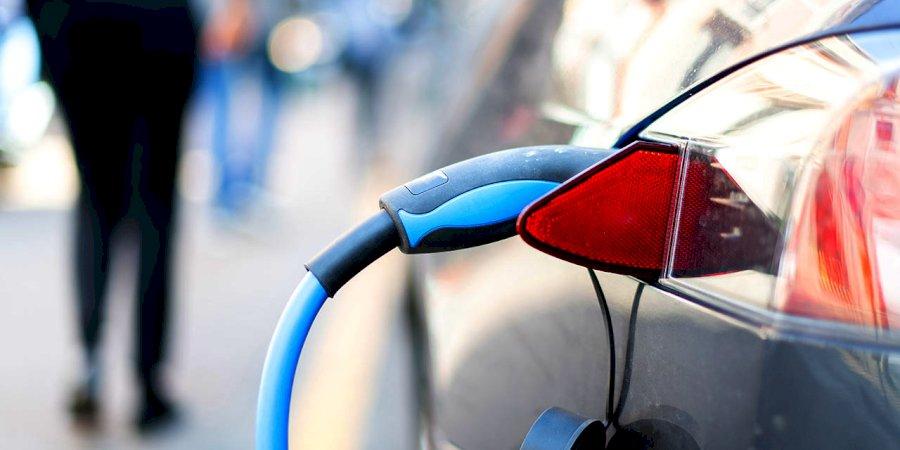 Porque custa menos manter um carro elétrico?