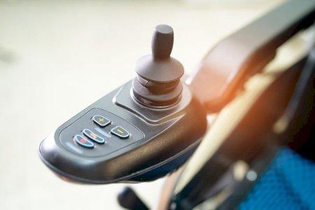 Especial mobilidade reduzida - Cadeiras de rodas são peões ou condutores?
